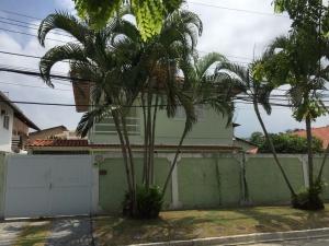 Linda casa no Condom�nio Terra verde em Itaipu, Centro